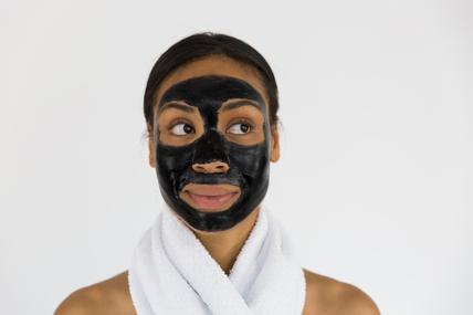 woman-charcoal-face-mask-spa_x285